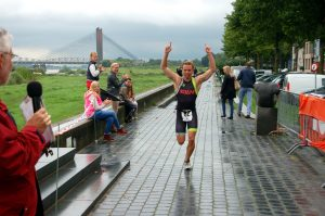 Winnaar Paul Meijering 15de recreatieve 1/8 triatlon 2014