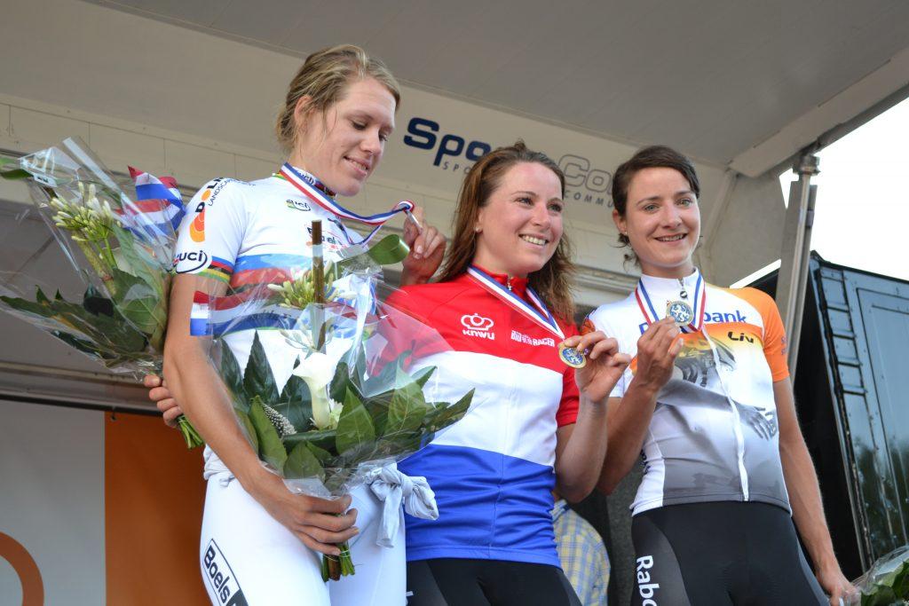Huldiging Elite-Vrouwen NK Tijdrijden 2014
